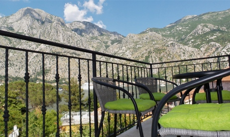 Balkon Kotor Apartment