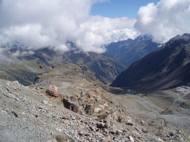 Stubaier Gletscher mit der Gondel