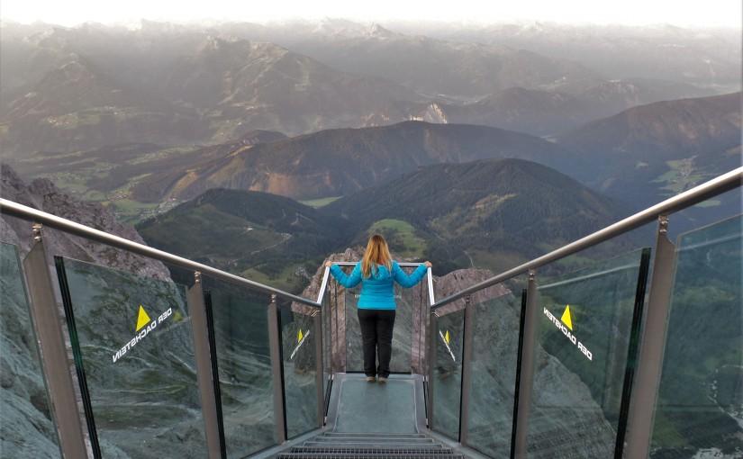 Ein Tag am Dachstein Gletscher – Inklusive Sonnenaufgangsfrühstück, Hängebrücke, Treppe ins Nichts, Eispalast &Co