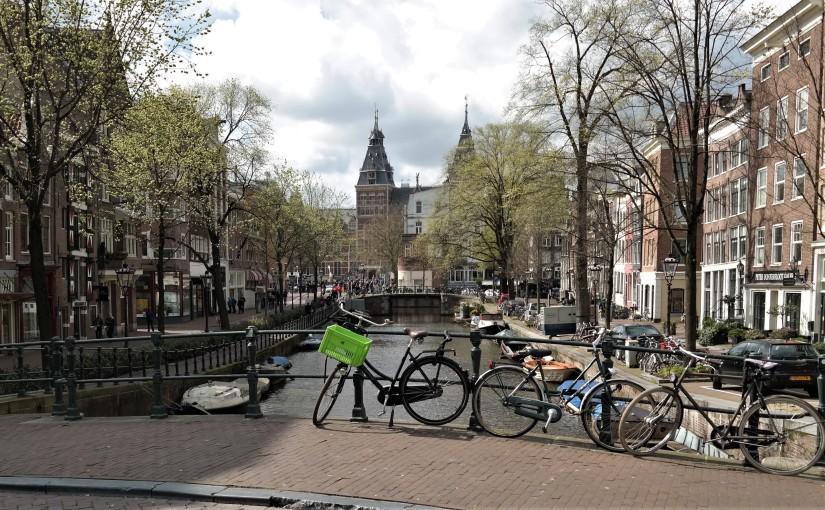 4 Tage in Amsterdam zur Tulpenblüte – Keukenhof, Grachten &Museen