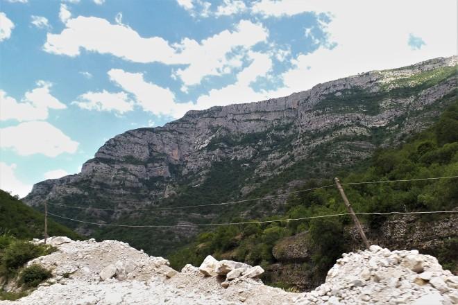 Strommasten Albanien