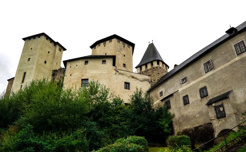 Besichtigung der Burg Lockenhaus – Ritterburg & Dracula imBurgenland