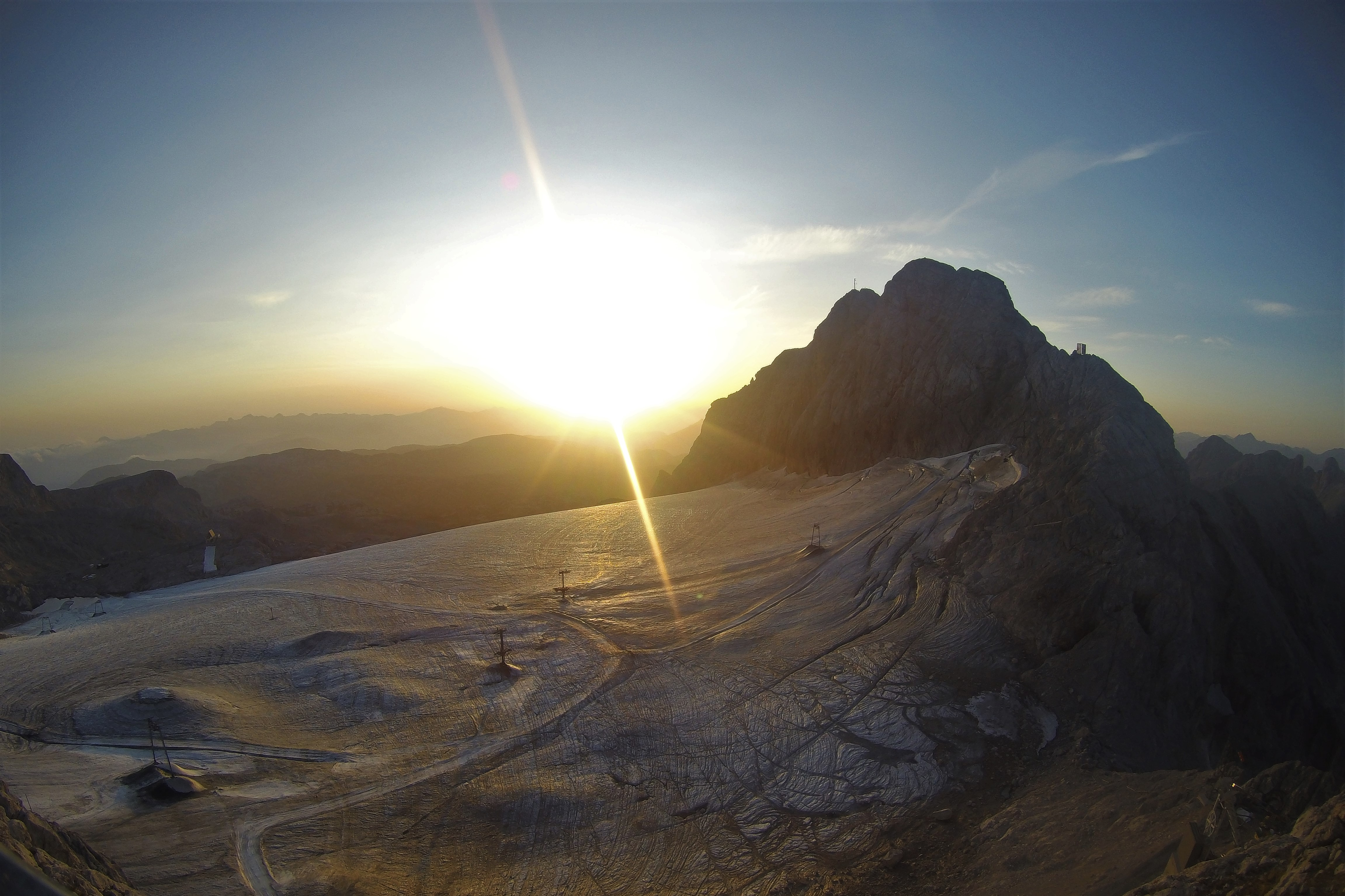 Sonnenaufgang am Dachstein Gletscher