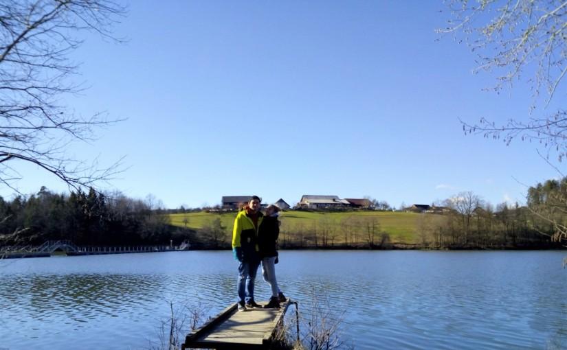 Spaziergang am Smartinsko jezero – einer der größten künstlich angelegten SeenSloweniens