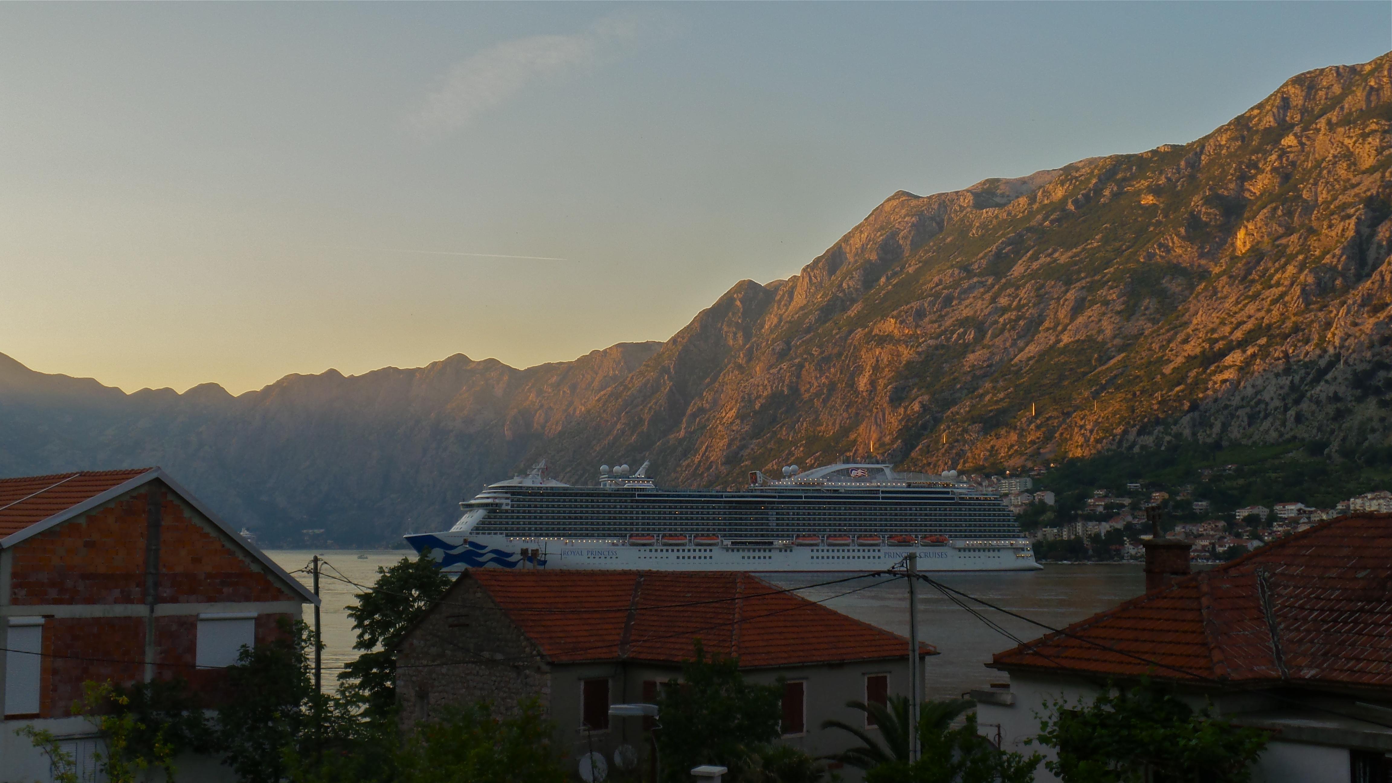 Ausblick vom Balkon auf Kotor